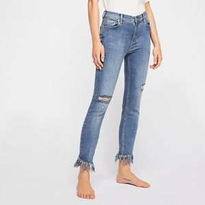 Free People Great Heights Frayed Skinny Jeans - 27